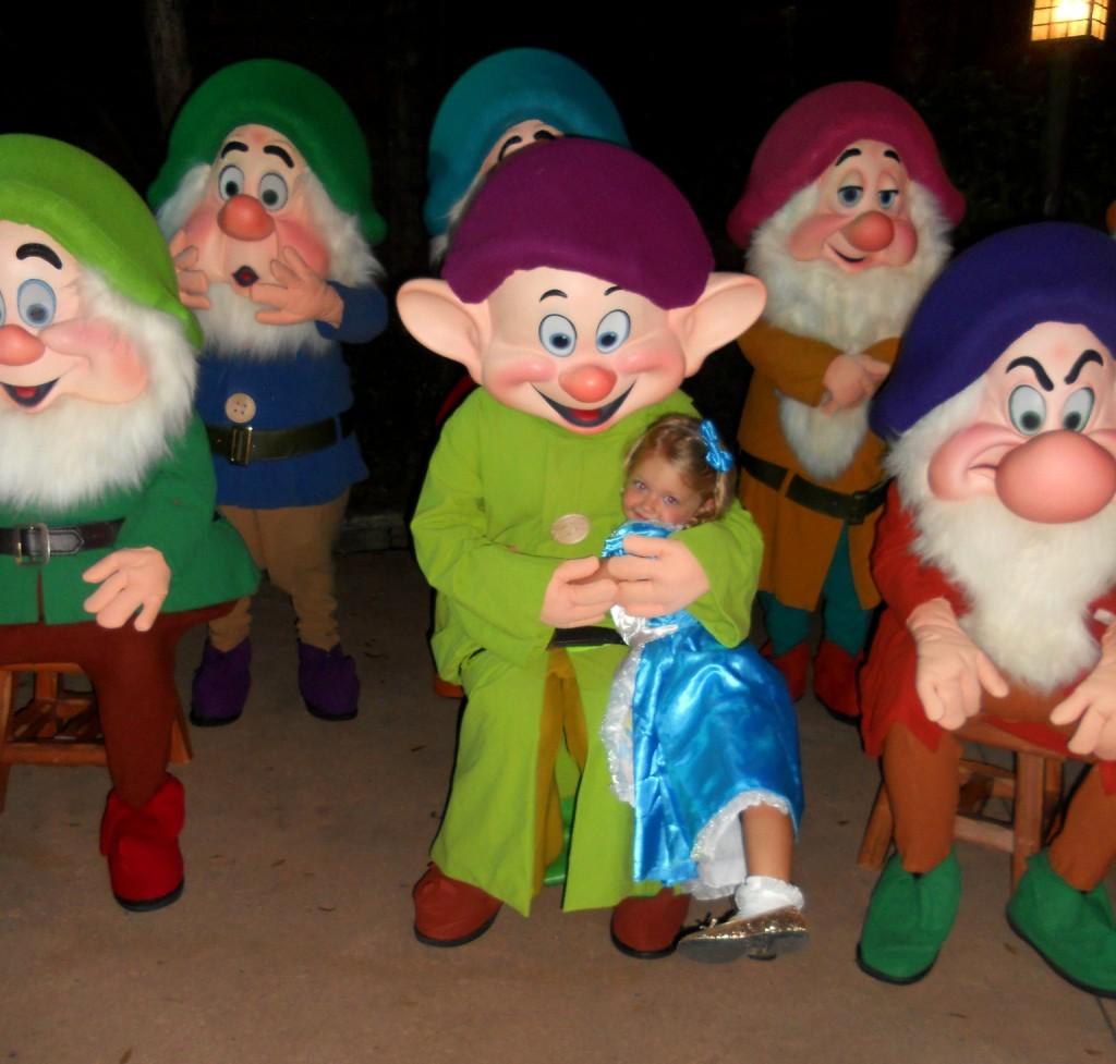 mickey's not so scary halloween party-seven dwarfs pictures