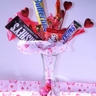 Easy and Inexpensive Valentine's Day Candy Bar Bouquet
