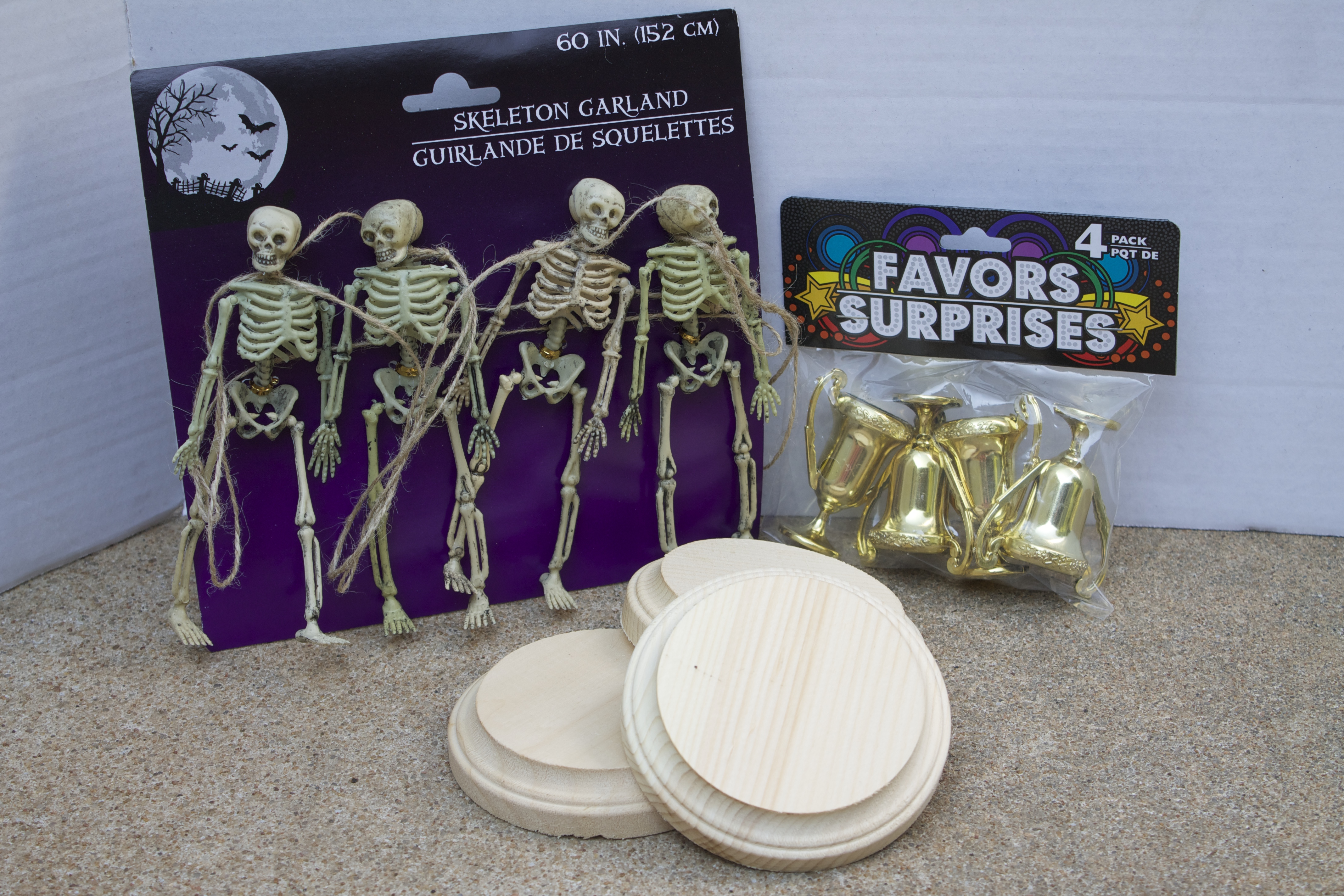 halloween costume contest trophies