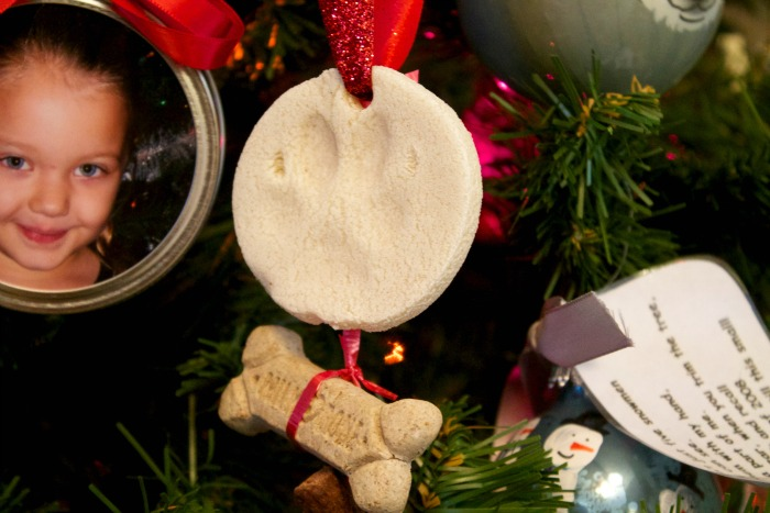 how to make paw print ornaments