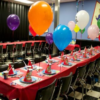 Incredible Pizza Birthday Party #IncredibleMoments
