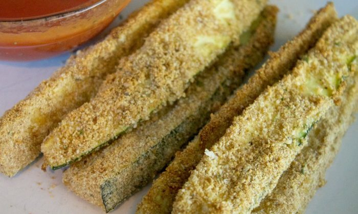 Baked Zucchini Sticks: The Perfect Pizza Side Dish!