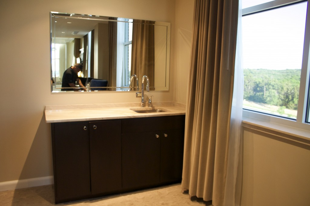 artesian hotel bathroom