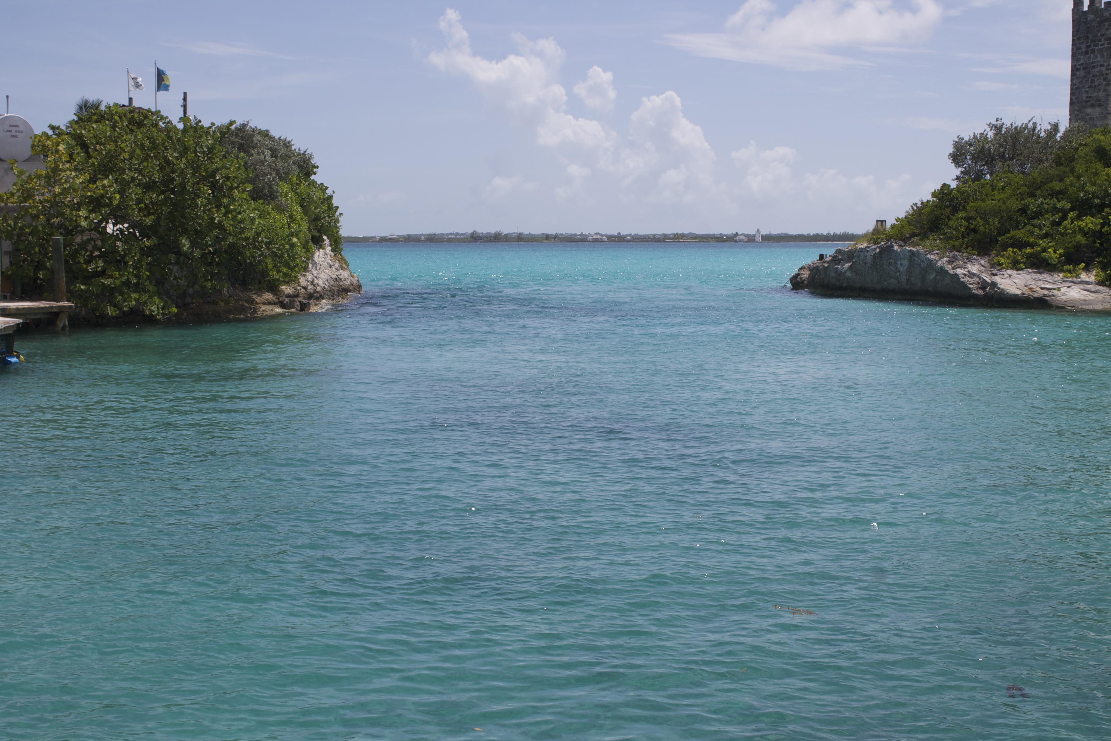 blue lagoon island-blue water bahamas