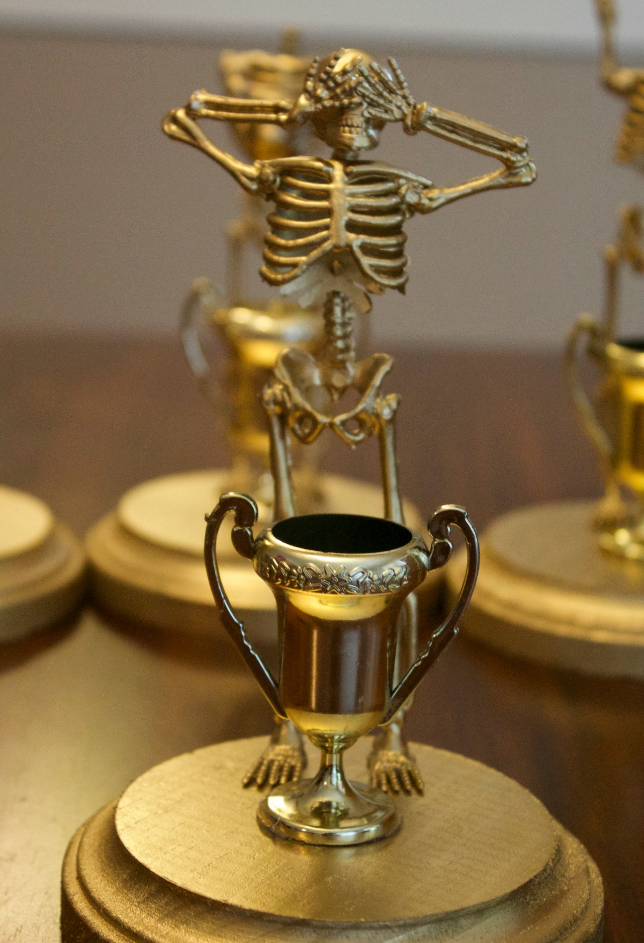 costume contest trophies & DIY Halloween Costume Contest Award Trophies
