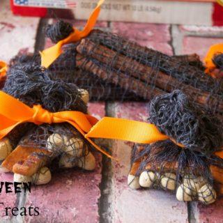 DIY Halloween Doggie Goodie Bags #TreatThePups