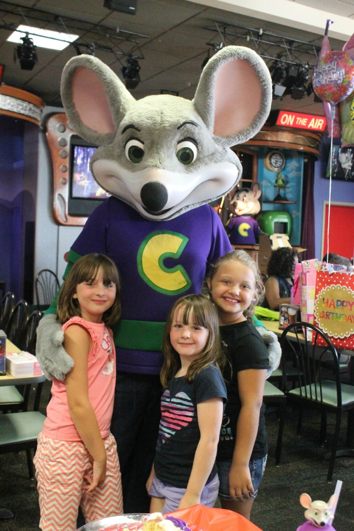 chuck e Cheese Mouse